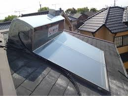 太陽熱温水器パネル撤去・処分施工前
